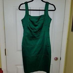 Emerald mini cocktail dress size size 6